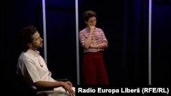 Interpretul Pasha Parfeni și jurnalista Natalia Morari în studioul Europei Libere
