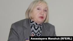 Тамара Калеева, руководитель прессозащитной организации «Адил соз». Алматы, 6 декабря 2013 года.