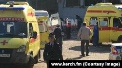 На месте взрыва в здании Керченского технологического колледжа