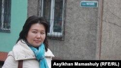 Алматинка Айгуль Сеилханова на улице Мирзояна. 27 марта 2014 года.