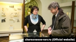 Британські вчені відвідали музей-заповідник «Херсонес Таврійський» в анексованому Росією Криму, 12 лютого 2017 року