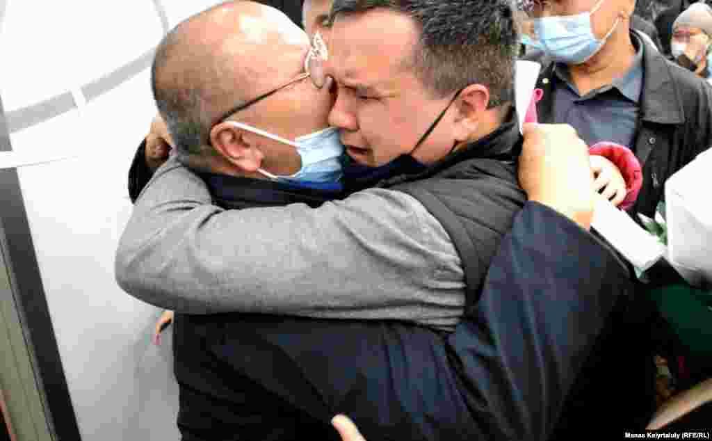 Ғалым әкесін соңғы рет 2007 жылы Қытай түрмесіне кездесуге барғанда көрген. Бірақ екеуінің арасын әйнек бөліп тұрған.