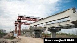 Строительство китайской компанией моста в Белграде. Иллюстративное фото.