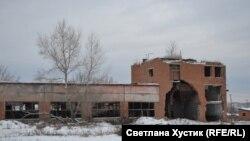 Село Кавказское. Колхозные руины