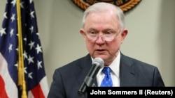 Prokurori i përgjithshëm i Shteteve të Bashkuara, Jeff Sessions,.