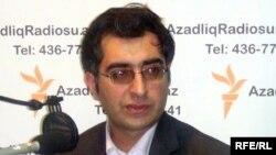 Анар Маммадлі в азербайджанській студії Радіо Свобода, 2009 рік
