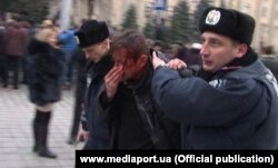 Сергей Жадан в Харькове после избиения