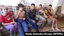 Семејството на Соња и Седат Јашарови од Битола.
