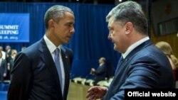 Президент України Петро Порошенко і президент США Барак Обама під час зустрічі в рамках Генасамблеї ООН, Нью-Йорк, 28 вересня 2015 року