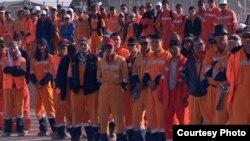 «Ersai Caspian Contractor LLC» («Ерсай Каспиан Контрактор») компаниясы жұмысшыларының 11 мамырда басталған ереуілі аштыққа ұласқан еді. Маңғыстау, 25 мамыр 2011 жыл.