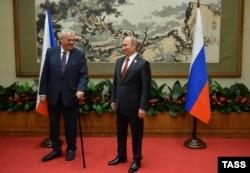 Președintele Vladimir Putin și omologul său ceh Milos Zeman la Beijing, în septembrie 2015