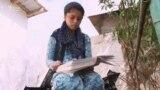 14-летняя Мадина оплакивает судьбу матери, осужденную в Ираке