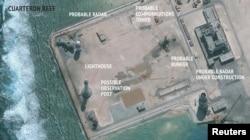 Спутниковый снимок строительства китайских военных объектов на одном из островов архипелага Спратли. Март 2016 года