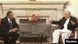 Президент Афганистана Хамид Карзай и министр обороны США Леон Панетта