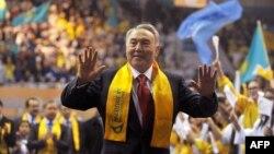 Назарбаев президенттіктен кетті. Неге?