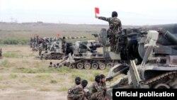 Учения азербайджанских ВС (архивное фото)