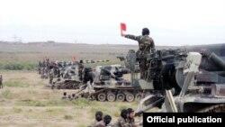 Azərbaycan ordusu hərbi təlimlərdə.