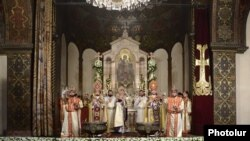 Armenia - Catholicos Garegin II leads the Christmas Mass at the Armenian Apostolic Church cathedral in Echmiadzin, 6Jan2014.