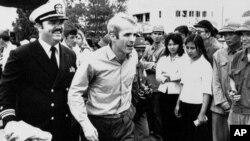 Маккейн після звільнення з полону у В'єтнамі в 1973 році