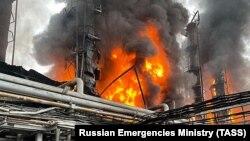 """Пожар на заводе """"Газпрома"""" в Уренгое. 5 августа 2021 года"""