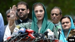 Maryam Nawaz (C), daughter of Prime Minister Nawaz Sharif, led her party into victory in the by-election.