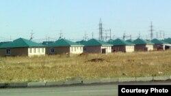 Өскемен маңындағы Нұрлы көш ауылы. Шығыс Қазақстан облысы, қараша, 2011 жыл.