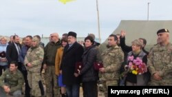 На территории проведения акции по гражданской блокаде Крыма вблизи КПВВ «Чонгар», 18 ноября 2015 года
