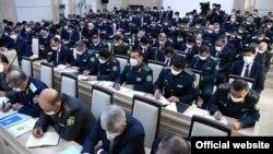 Сотрудники органов внутренних дел на расширенном заседании коллегии МВД Узбекистана, которое прошло 12 февраля 2021 года под председательством президента Шавката Мирзияева.