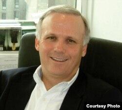 avocatul Mark Ellis