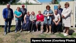 Жители омской деревни Верхний Карбуш, обратившиеся к канцлеру Германии Ангеле Меркель из-за плохой дороги