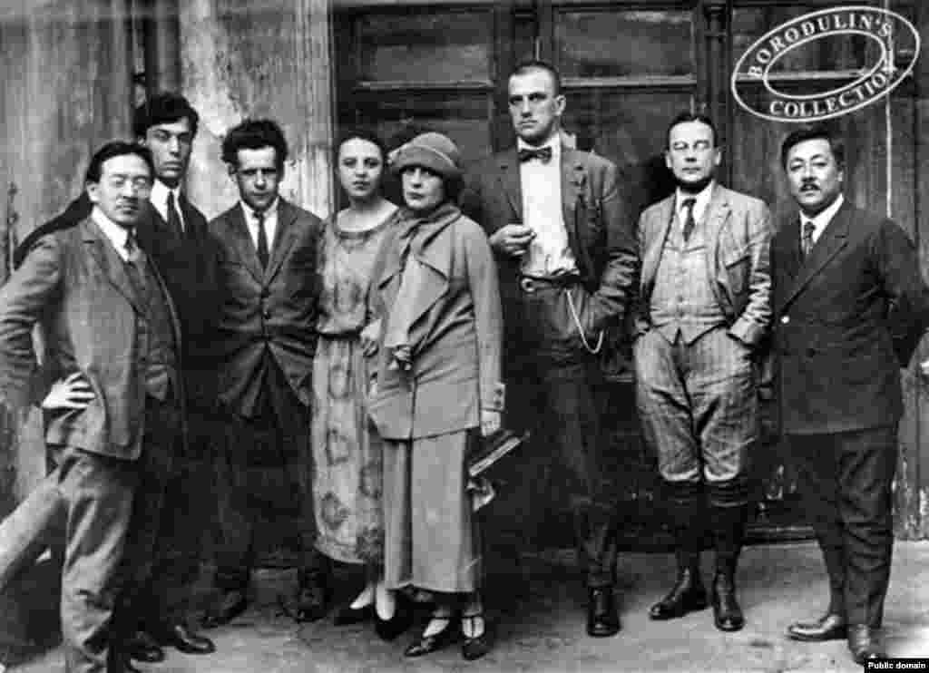 Vladimir Mayakovsky (center) with friends, including Lilya Brik, filmmaker Sergei Eisenstein (third from left), and poet Boris Pasternak (second from left) (undated)