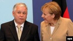 Ярослав Качинський і Ангела Меркель, Брюссель, фото 2007 року