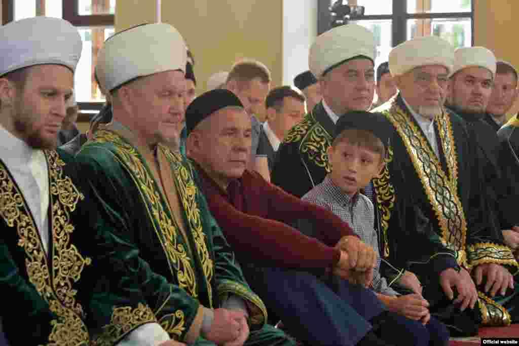 Миңнеханов улы Искәндәр белән