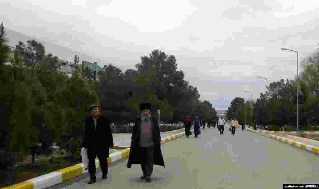 Отдыхающие, санаторий Арчман, Туркменистан