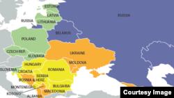Ukraina avtoritar regionnıñ istisnası ola – Freedom House