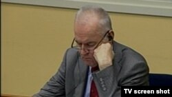 Ratko Mladić u sudnici 12.12.2013.