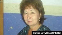 Әйгерімнің анасы Бақыт Шөжебаева. Семей, 21 маусым 2012 жыл.