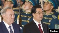 Нурсултан Назарбаев и Ху Цзиньтао, Астана, 13июня 2011