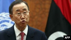 Генералниот секретар на ОН, Бан Ки-Мун на прес-конференција во Триполи.