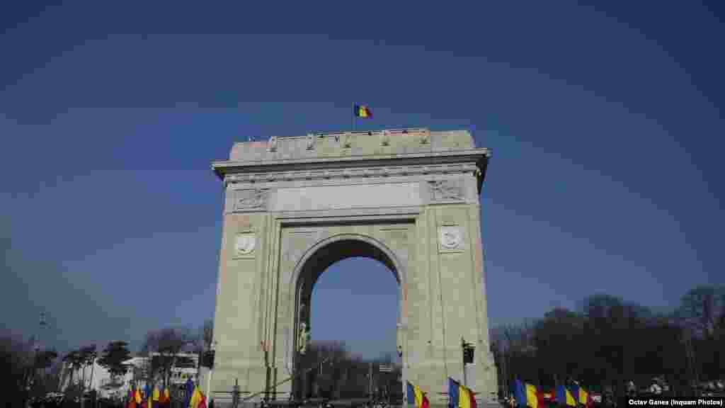 La parada militară de la Arcul de Triumf, București