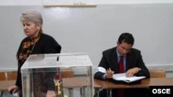 Голосование на сербских выборах прошло без скандалов