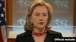 ԱՄՆ-- Միացյալ Նահանգների պետքարտուղար Հիլարի Քլինթոնը ներկայացնում է զեկույցը, Վաշինգտոն, 08-ը ապրիլի, 2011թ.
