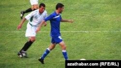 Türkmen futbolçylary (arhiw suraty)