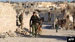 Forcat irakiane duke patrulluar në qytetin lindor irakian, Ramadi, në provincën Anbar. 4 shkurt 2016