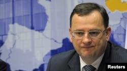 Чехи критикують уряд Нечаса за антикризові заходи