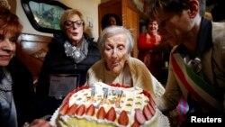 Емма Морано під час святкування 117-го дня народження, Італія, 29 листопада 2016 року