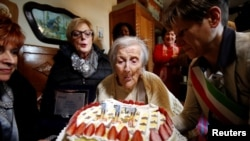 Емма Морано під час святкування 117 дня народження, Італія, 29 листопада 2016 року