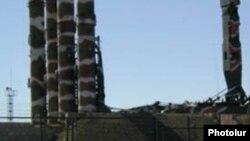 Ракеты С-300 на российской военной базе в Гюмри, Армения (архив)