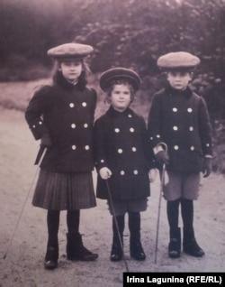 Дети Франца Фердинанда и Софии - София-младшая, Эрнст и Максимилиан (слева направо)