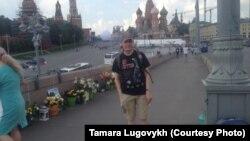 Иван Скрипниченко дар гӯшаи ёдбуди Немтсов